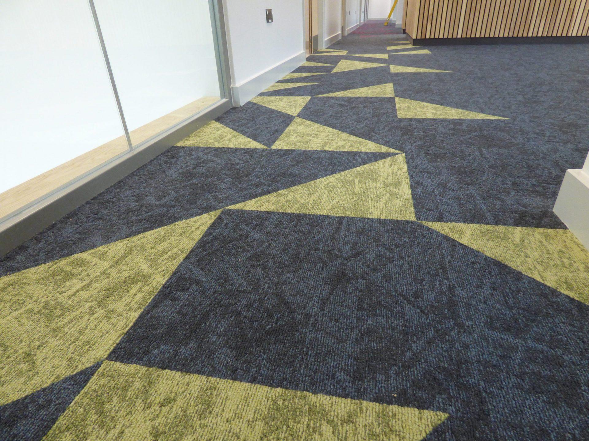 BRI CAHR Carpet Tiles (60)